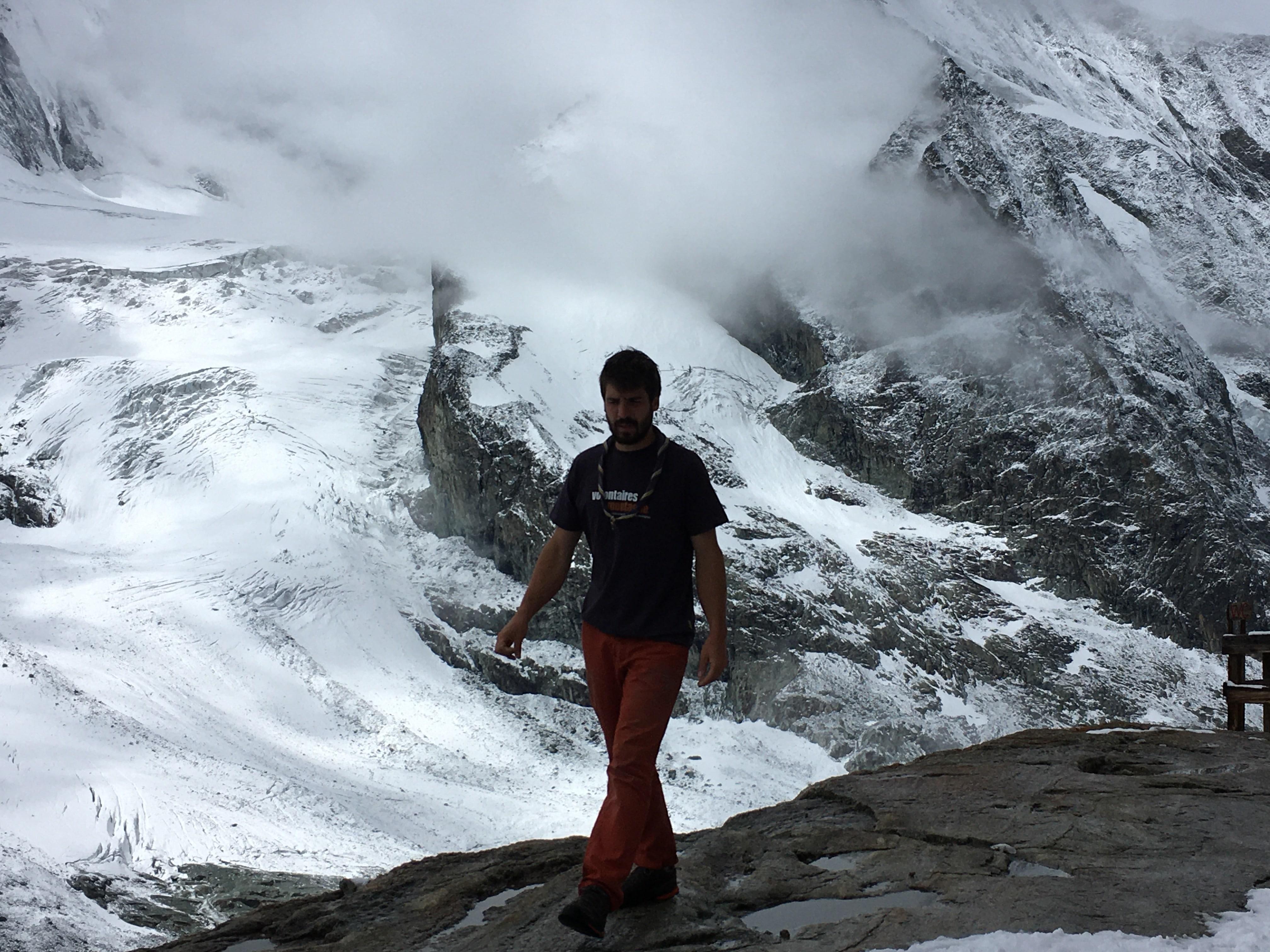 Treize scouts genevois s'engagent à titre bénévole pour les Alpes valaisannes